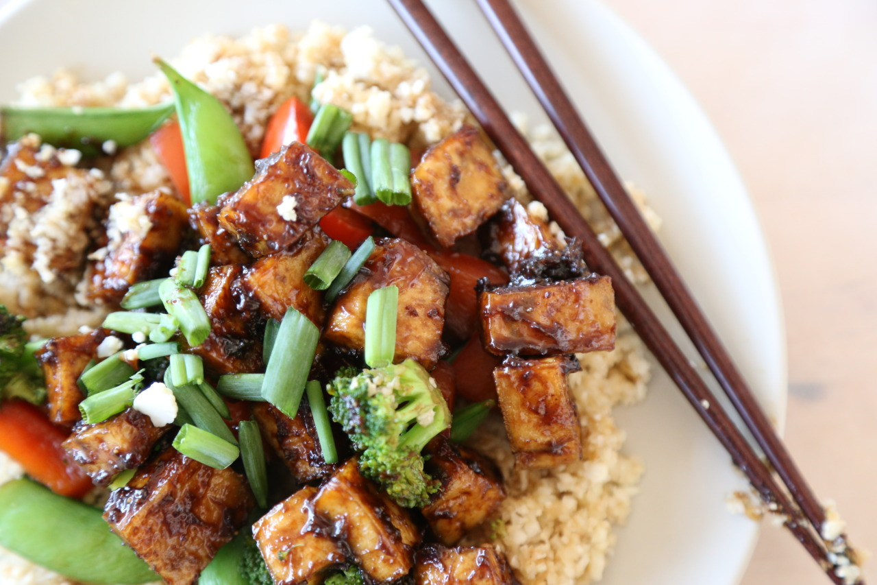 Perfect peanut tofu with cauliflower rice