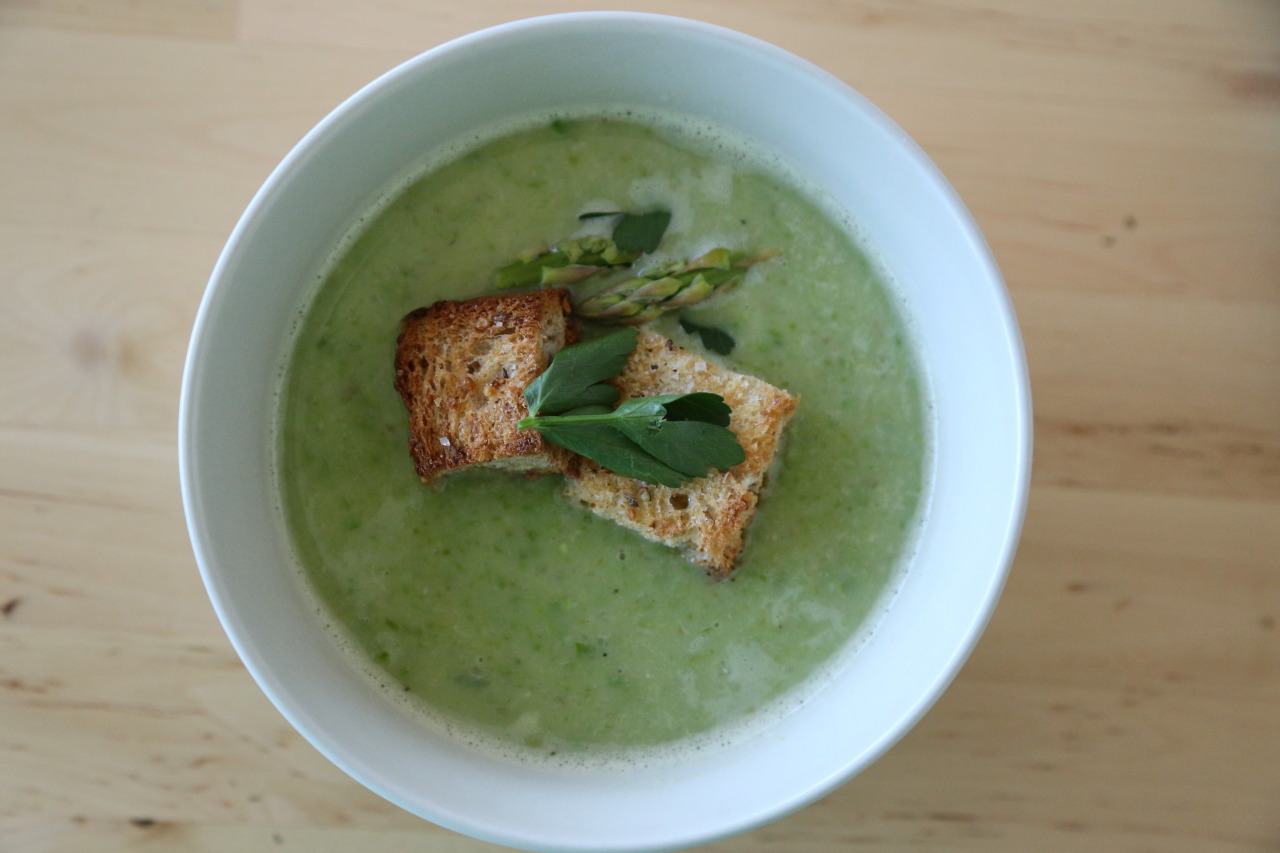 Asparagus, pea, and white bean soup