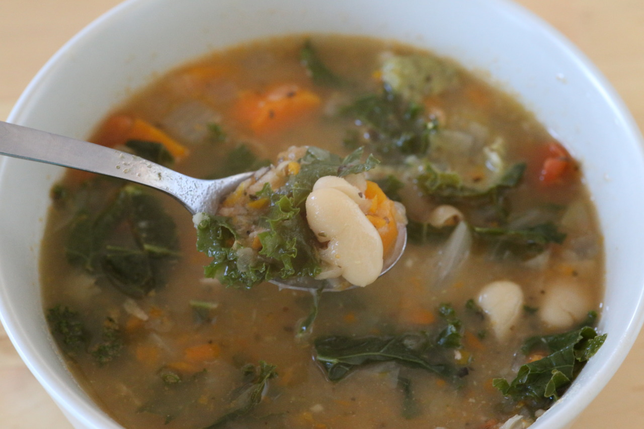 White bean and kale soup with pesto