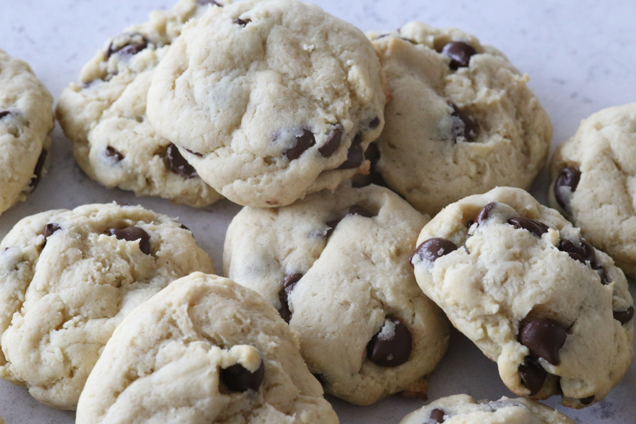 Soft baked cream cheese chocolate chip cookies