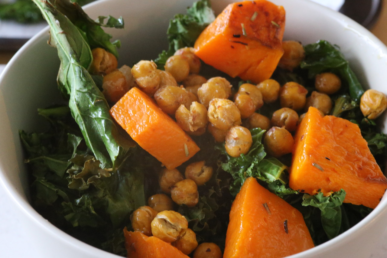 Roasted kale and butternut squash bowl