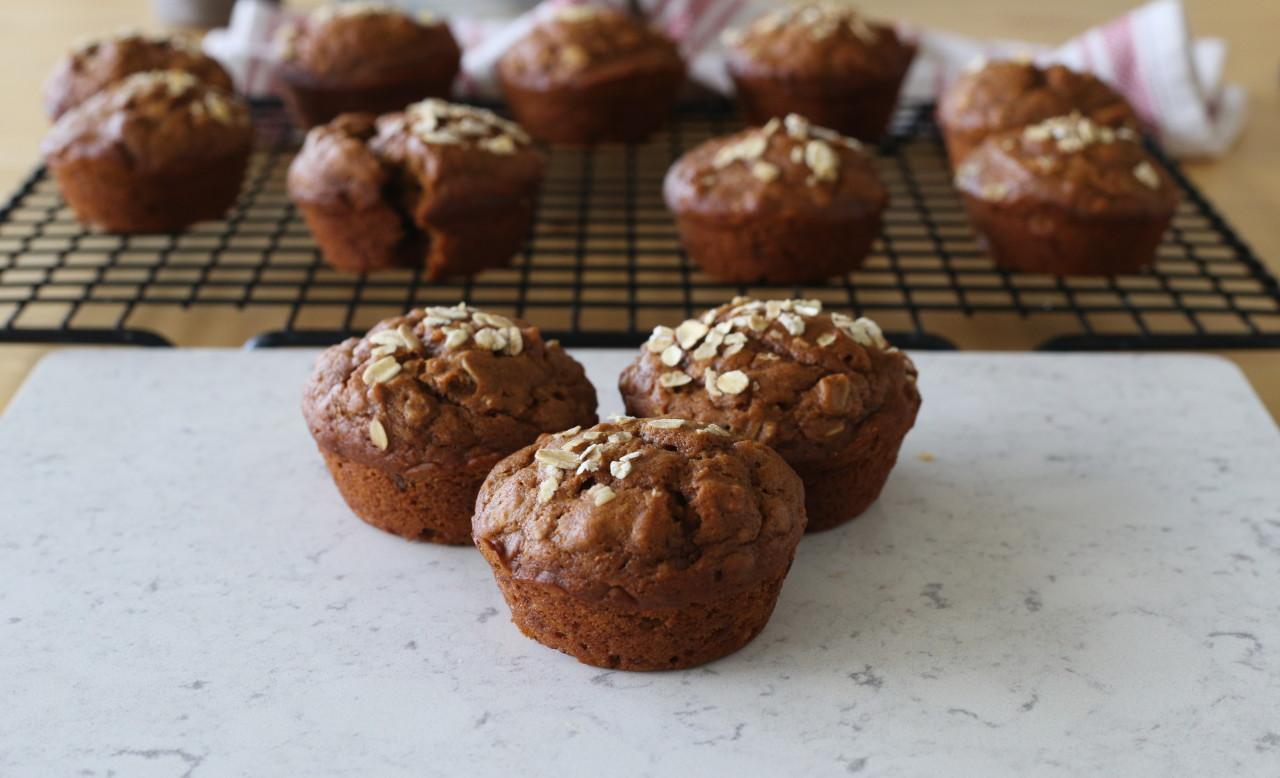 Vegan pumpkin gingerbread muffins